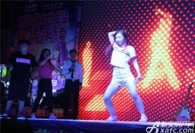 中航长江广场中航长江广场荧光夜跑音乐节—精彩街舞表演(2015.8.31)