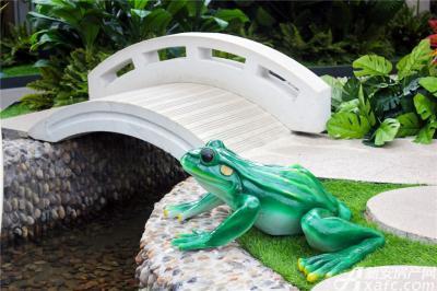 恒大绿洲恒大绿洲售楼中心—仿真园林的小桥青蛙