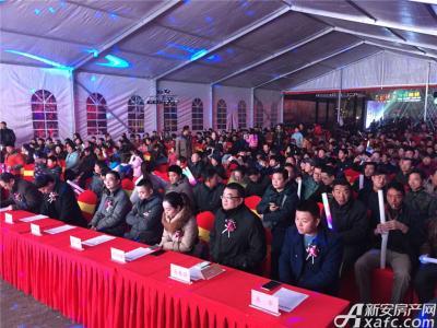 中航长江广场中航时光街点亮仪式现场人气爆棚(2015.12.24)