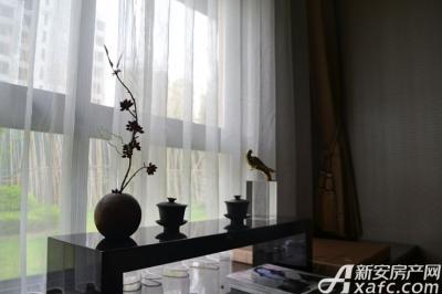 绿地迎宾城窗台