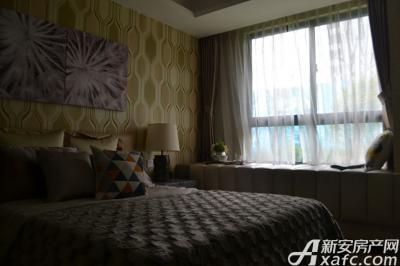 绿地迎宾城卧室