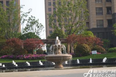 绿地中央广场实景图