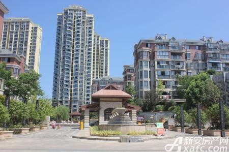 龙登凤凰城实景图