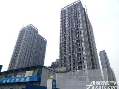 滨湖向上城后期将进行外墙装修(2016.11.3)