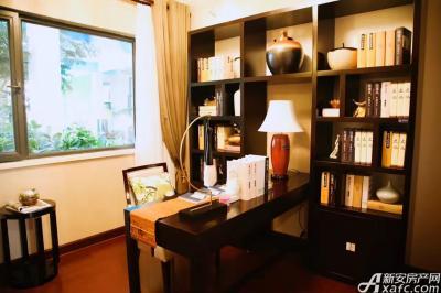 恒大江北帝景A1户型书房