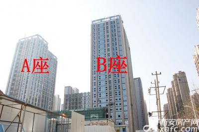 滨湖向上城A座B座正在装饰外墙(2017.1.16)