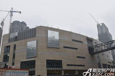 安德利广场正在进行外部装修(2017.4.12)