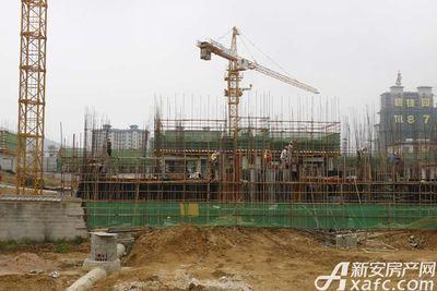碧桂园•钻石湾部分楼栋建至3层左右(2017.8.31)