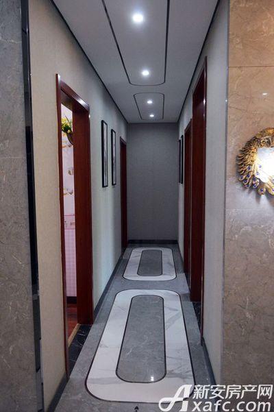 万成·哈佛玫瑰园玫瑰园洋房样板间:走廊