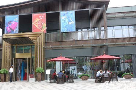 龙湖瑶海天街实景图